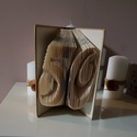 Kétjegyű számos könyvszobor, Képzőművészet, Papírművészet, Book folding technikával készült névre szóló, egyedi ajándék, másnéven könyvszobor.  A könyvszobor ..., Meska