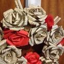 Rózsás vintage papírkoszorú, Dekoráció, Dísz, Hungarocell alapra készült vintag stílusú rózsás koszorú. Kb. 24-25 cm széles. Egyenként ha..., Meska