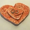 Szív-küldi tálca, Szerelmeseknek, Esküvő, Esküvői dekoráció, Nászajándék, Kerámia, Mondd el Neki másképp!    Szív-küldi, Szívből – bármely apró de fontos tárgy őrzésére – 3 darab egy..., Meska