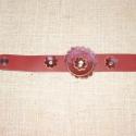 Bőrkarkötő virágban, Ékszer, Karkötő, Bordó szín kombinációja. Vizibivaly bőréből készült, szegecselt karkötő.  Virágok kecskebőrből készü..., Meska