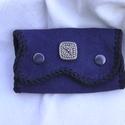 Karabineres kulcstartó, Kék-fekete borjúbőrből készült karabineres k...