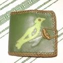 Föld színe 2.  pénztárca , Táska, Pénztárca, tok, tárca, Pénztárca, Erszény, Kecskebőrből készült pénztárca, mely a zöld árnyalataiban pompázik. Előrészén egy madárka látható, m..., Meska