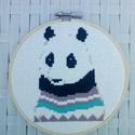 Panda pulcsiban  - keresztszemes hímzett kép, Dekoráció, Otthon, lakberendezés, Kép, Falikép, -kereszthímzéssel készült kép -mérete 13 cm -kerettel együtt küldöm :)  Remek lakásdekor vagy kedves..., Meska