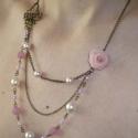 Rózsaszín rózsa és pillangó - 3 soros asszimetrikus réz nyaklánc, Ékszer, Nyaklánc, Nagyon romantikus, 3 soros nyakláncot készítettem egy 1,5x2,5cm-es réz (egyesek szerint bronz) pilla..., Meska