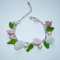 KIÁRUSÍTÁS! Rózsakert karkötő - rózsaszín, fehér rózsák levelekkel, ezüst alapon, Ékszer, Karkötő, KIÁRUSÍTÁS! Most 40%-kal olcsóbban vásárolhatod meg ezt a terméket.  A feltüntetett ár már tartalmaz..., Meska