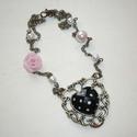 Fekete-fehér pöttyös szív - réz nyaklánc rózsaszín gyöngyökkel és rózsával, Ékszer, Nyaklánc, A lánc elkészítéséhez az alábbiakat használtam fel: - közepes, csavart szemű réz lánc részek,  - 6 é..., Meska