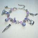 Párizsi divat - ezüst-lila csüngi-büngis karkötő, Ékszer, Karkötő, Ismét készítettem egy romantikus, nőies karkötőt mindenféle divatos csüngi-büngivel. :)  A karkötő a..., Meska