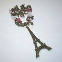 Óriás Eiffel torony fehérben és rózsaszínben - romantikus nyaklánc, Ékszer, Nyaklánc, Romantikus aszimmetrikus nyakláncot készítettem egy hatalmas (7cm, 2 oldaláról megmunkált) Eiffel to..., Meska