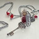 Igyál meg! - Alice in Wonderland nyaklánc piros üvegcsével, Ékszer, óra, Nyaklánc, Újabb üvegcsés nyaklánc Aliz Csodaországából a piros-ezüst színek szerelmeseinek! :)  A nya..., Meska