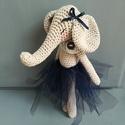 horgolt elefánt, Baba-mama-gyerek, Játék, Horgolt elefánt mérete kb. 22cm., Meska