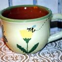 Méhecske a pitypangra száll, Konyhafelszerelés, Kerámia, Egy méhecske kering ezen a kávéscsészén, de szerencsére megtalálja a csodásan illatozó pitypang vir..., Meska