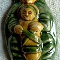 Székely Babba Mária, Magyar motívumokkal, Képzőművészet, Szobor, Kerámia, Kerámia, A kis szobrocskát fehér agyagból készítettem, majd sárga és zöld mázzal díszítettem. A szobrocskát ..., Meska