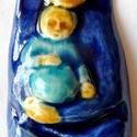 Babba Mária, ősanya, Képzőművészet, Magyar motívumokkal, Szobor, Kerámia, Kerámia, A kis szobrocskát fehér agyagból készítettem, majd  kék és sárga mázzal díszítettem. A szobrocskát ..., Meska