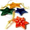Karácsonyi csillagok - karácsonyfadíszek, Dekoráció, Ünnepi dekoráció, Karácsonyi, adventi apróságok, Karácsonyfadísz, Az csillagokat fehér agyagból készítettem, majd kerámiamázzal díszítettem.  A négy csillag ..., Meska