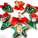 Színes karácsonyfadíszek díszdobozban- Magyar karácsony, Magyar motívumokkal, Dekoráció, Karácsonyi, adventi apróságok, Ünnepi dekoráció, Kerámia, Az díszeket fehér agyagból készítettem, majd mázakkal díszítettem.    A díszdoboz a kerámiákhoz tar..., Meska