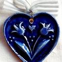 Kék szív páros tulipánnal, Az szívet fehér agyagból készítettem, majd ke...