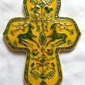 Marosszéki székely kerámia kereszt, A keresztet a hagyományos székelyföldi mintakin...