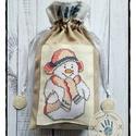 """""""Gizike, a hóemberlány"""" mikulás zsák keresztszemes díszítéssel, Karácsonyi, adventi apróságok, Karácsonyi dekoráció, Ajándékzsák, Varrás, Anyaga: pamutvászon Mérete: 25 x 22 cm Kiváló egyedi ajándék, különleges és környezetkímélő csomago..., Meska"""