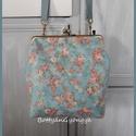 Tavaszi türkiz csatos táska , Táska, Válltáska, oldaltáska, Varrás, Szerettem volna olyan táskát készíteni, ami nem is kicsi, de nem is nagy, praktikus, kényelmes. Nem..., Meska