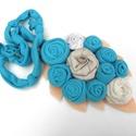 Türkiz rózsák-nyakék, Ékszer, óra, Nyaklánc, Rugalmas pamut anyag tartja a különleges megoldású medált.  Medál:kb. 10X18 cm kerület: kb. 6..., Meska