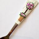Romantikus vintage rózsabokor kanál esküvő, Konyhafelszerelés, Esküvő, Otthon, lakberendezés, Esküvői dekoráció, Gyurma, A kiskanál kérhető névre szólóan, gyermek illetve felnőtt méretű evőeszközre, bögrére és müzlis tál..., Meska