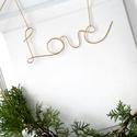 Love felirat - drótból, növénnyel, Esküvő, Otthon, lakberendezés, Esküvői dekoráció, Nászajándék, Nagy méretű, bájos dekoráció. A könnyed hajlításokkal formázott légies betűk pozitív üz..., Meska