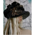 """""""Antónia""""  barett-kalap / fekete arannyal, Ruha, divat, cipő, Női ruha, Kendő, sál, sapka, kesztyű, Sapka, Patchwork, foltvarrás, Varrás, Dús formájú, sildes patchwork kalap romantikus Hölgyeknek a hideg téli napokra:  Ezt a darabot sok-..., Meska"""