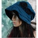 HEXE - design-kalap L-XL, Ruha, divat, cipő, Női ruha, Kendő, sál, sapka, kesztyű, Sapka, Kétrétegű (vadkacsa-kék+ fekete) pamut-jersey kalapka csipke-dekorációval, kézi-tűzésekkel, felhajth..., Meska