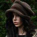 GYAPJÚCILINDER  - shabby chic horgolt kalap, Rusztikus gyapjúfonalból horgolt, puha, roggyant...