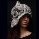 CLOCHE-ART - extravagáns kötött kalap, Ruha, divat, cipő, Női ruha, Kendő, sál, sapka, kesztyű, Sapka, EXTRA-VASTAG, többszálas - a szürke árnyalataiban készült - fonalmixből kötött modellem a '20-as éve..., Meska