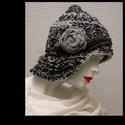 CLOCHE-ART kötött kalap, Téli extravagancia:  EXTRA-VASTAG, többszálas -...