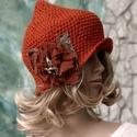 HAGYMÁCSKA - kézműves gyapjú-kalapka , Ruha, divat, cipő, Kendő, sál, sapka, kesztyű, Sapka, Női ruha, Bohém-romantikus fejfedőm:  Rozsdavörös vintage kártolt-gyapjúból horgolt, hagyma-formájú kalap. A v..., Meska