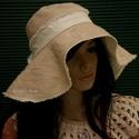 AGATHA - hullámos flapper kalap, Ezt a széles karimájú kalapot az 1920-as évek ...