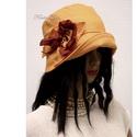 """MARA cloche - lenvászon flapper kalap, Ruha, divat, cipő, Női ruha, Kendő, sál, sapka, kesztyű, Sapka, Az 1920-as évek flapper divatja köszön vissza """"Mara"""" fantázianevű, harang-szabású, mélyen fejbe-húzh..., Meska"""