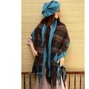 PAPAYA-szett - patchwork stóla barettel , Ruha, divat, cipő, Kendő, sál, sapka, kesztyű, Sapka, Női ruha, Polár-rátétes, szirmos végződésű, különleges struktúrájú csíkos selyem - stóla.    Mérete: 210 X 60 ..., Meska