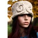 NORMA gyapjúfez - design kalapka, Ruha, divat, cipő, Kendő, sál, sapka, kesztyű, Sapka, Női ruha, Extravagáns fejfedő: Szuper-vastag, karimátlan,mélyen fejbe húzható gyapjúkalap csigába-csavarodó sz..., Meska
