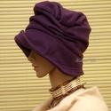 """ERNA cloche -lila polár flapper kalap, Ruha, divat, cipő, Női ruha, Kendő, sál, sapka, kesztyű, Sapka, Az 1920-as évek flapper divatja köszön vissza """"ERNA"""" fantázianevű, rakott-tetejű, harang-szabású, mé..., Meska"""