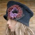 GYAPJÚ-CILINDER rongyvirággal, Táska, Divat & Szépség, Sál, sapka, kesztyű, Ruha, divat, Sapka, Női ruha, Horgolás, Varrás, Acélszürke vintage kártolt gyapjúfonalból horgoltam ezt a cilinder formájú kalapot. A virágdekoráci..., Meska