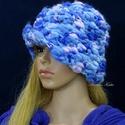 DUCI - exkluzív horgolt design-kalap, Ruha, divat, cipő, Kendő, sál, sapka, kesztyű, Női ruha, Sapka,  Az ég kékje árnyalataira festett, exkluzív vékony-vastag kézzel font, pihe-puha gyapjú- design-fona..., Meska
