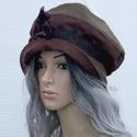 BERTA / selymes - kézműves kalap , Ruha, divat, cipő, Kendő, sál, sapka, kesztyű, Sapka, Női ruha, Selymes felületű könnyű vászonból készült szövetből készült öblös, stílusos kalapocska széles csipke..., Meska