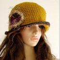 FLAPPER-kalap / okkersárga horgolt kalap, Ruha, divat, cipő, Női ruha, Kendő, sál, sapka, kesztyű, Sapka, A '20-as évek stílusában, vastag, finom, szúrás-mentes gyapjúfonalból horgoltam ezt a mélyen fejbe h..., Meska