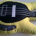 GitárPárna / Élethű, zöldessárga színű Bongo Man típusú basszusgitár párna, Játék, Otthon, lakberendezés, Lakástextil, Párna, GitárPárna / Élethű, zöldessárga színű Bongo Man típusú basszusgitár párna  Test anyaga:..., Meska