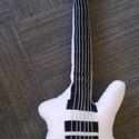 Fehér színű, ESP Explorer típusú gitár párna , Férfiaknak, Játék, Mindenmás, Otthon, lakberendezés, Rock Párna / fehér színű, ESP Explorer típusú gitár párna   Test anyaga: fehér színű, kel..., Meska