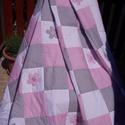 Patchwork takaró (rózsaszín-szürke), Baba-mama-gyerek, Gyerekszoba, Falvédő, takaró, Varrás, Patchwork, foltvarrás, Egyedi készítésű patchwork takaró kislányoknak, nagylányoknak. A rózsaszín szürkével, fehérrel páro..., Meska