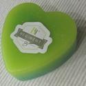 Szív alakú mécsesek- Zöld, Dekoráció, Otthon, lakberendezés, Dísz, Gyertya, mécses, gyertyatartó, Gyertya-, mécseskészítés, Szív alakú mécseseket készítettem a tavasz legkülönfélébb színeiben és kellemes virág illattal.  A ..., Meska