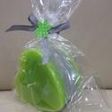 Szív alakú mécsesek- Zöld-szürke, Dekoráció, Otthon, lakberendezés, Dísz, Gyertya, mécses, gyertyatartó, Gyertya-, mécseskészítés, Szív alakú mécseseket készítettem a tavasz legkülönfélébb színeiben és kellemes virág illattal.  A ..., Meska