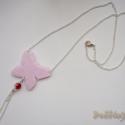 Rózsaszín lepkés nyaklánc, Ékszer, Nyaklánc, Gyurma, Gyönyörű, csillámló rózsakvarc gyurmából pillangó sziluettet készítettem, amit ezüst láncra illeszt..., Meska