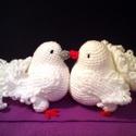 Galambpár, Esküvő, Mindenmás, Turbékoló galambpár, 11 cm magasak.  Házassági évfordulóra, vagy  Valentin napra. Akár csak ..., Meska