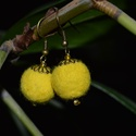 Fülbevaló sárga, Ékszer, Fülbevaló, Citromsárga, kézzel készített nemez fülbevaló merinó gyapjúból, üveggyöngy és fémszerel..., Meska