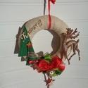 Karácsonyi ajtódísz, kopogtató csengettyűvel, Dekoráció, Karácsonyi, adventi apróságok, Otthon, lakberendezés, Ünnepi dekoráció, Karácsonyi dekoráció, Ajtódísz, kopogtató, Egyedi ajtódíszt készítettem az ünnepi időszakra. A koszorú alapja 20 cm-es hungarocell karika. Juta..., Meska
